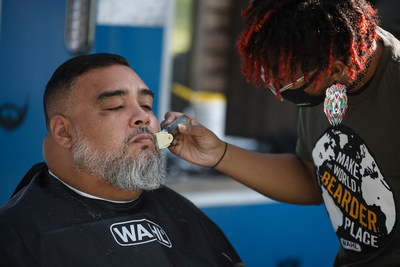 Wahl parked its 20-foot mobile barbershop at the Chicago Standdown event and offered FREE haircuts and beard trims to Veterans. Wahl also partnered with Greater Good Charities' Good Packs Program and handed out 400 beard trimmers to the Veterans alongside backpacks filled with essential needs such as toiletries, warm blankets, and reusable water bottles.
